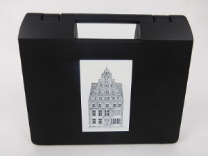 Kunststoffkoffer Siebdruck schwarz weiß